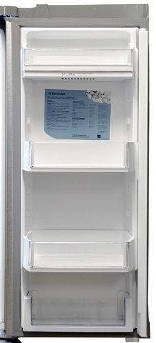 electrolux fridge thereu0027s a slot under the top shelf for a small air filter a nice touch that
