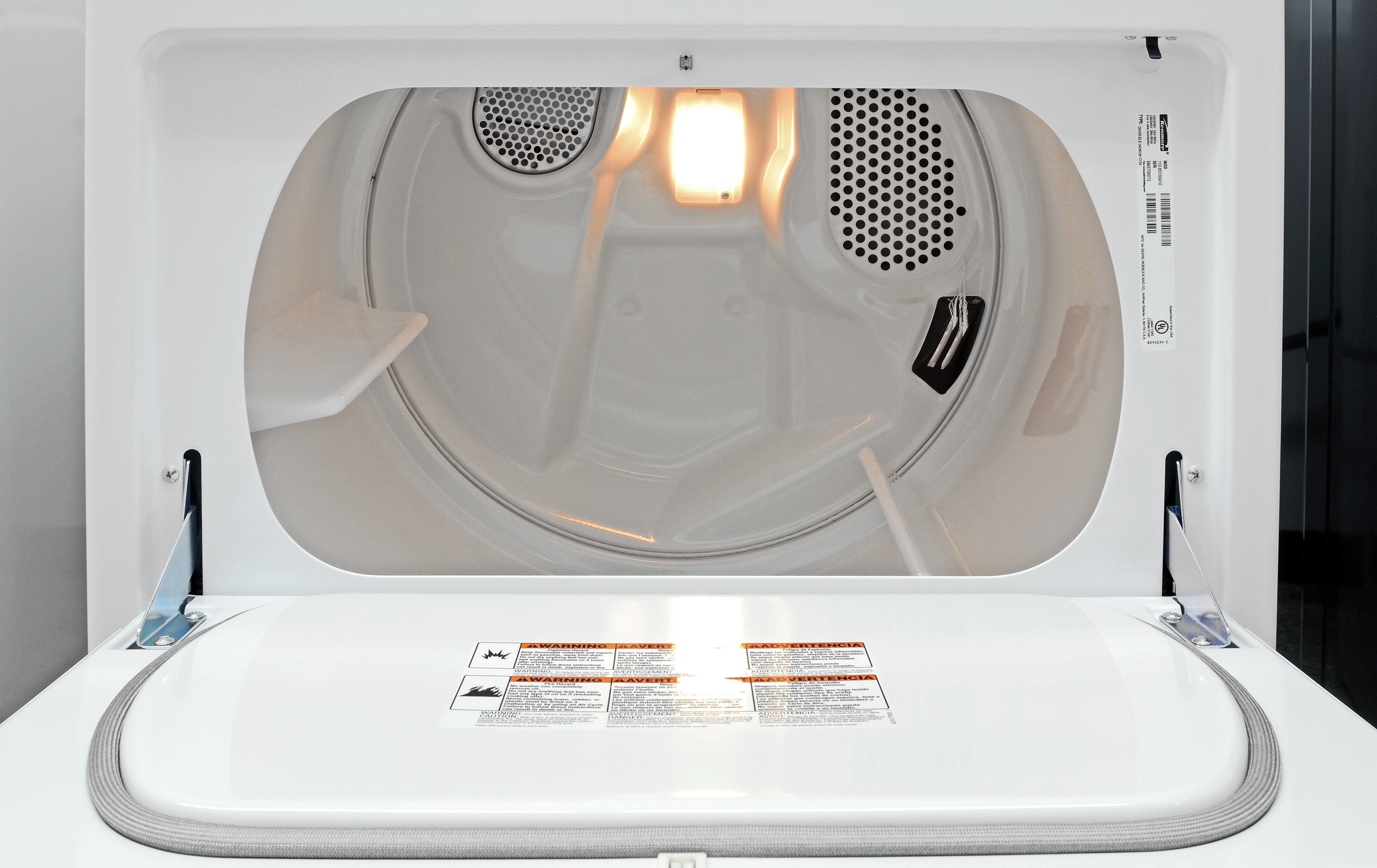 The Kenmore 65132's front-opening door makes loading the dryer easy, but be careful not to snag your clothes on the door latch.