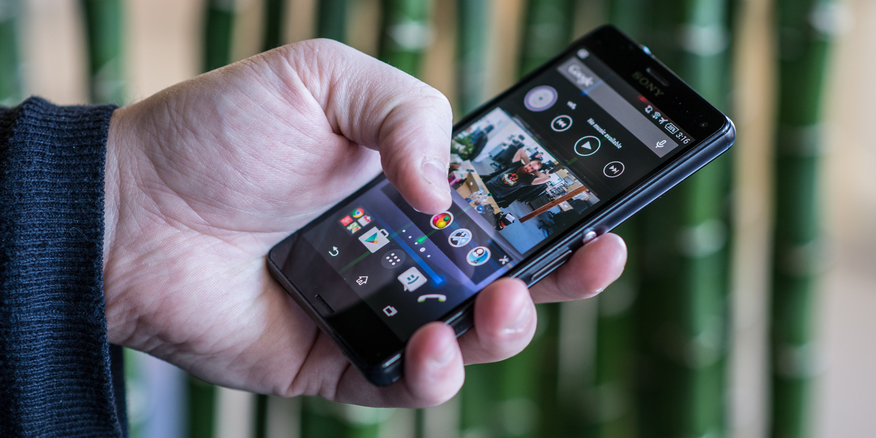 A photo of the Sony Xperia Z3 Compact in a hand.