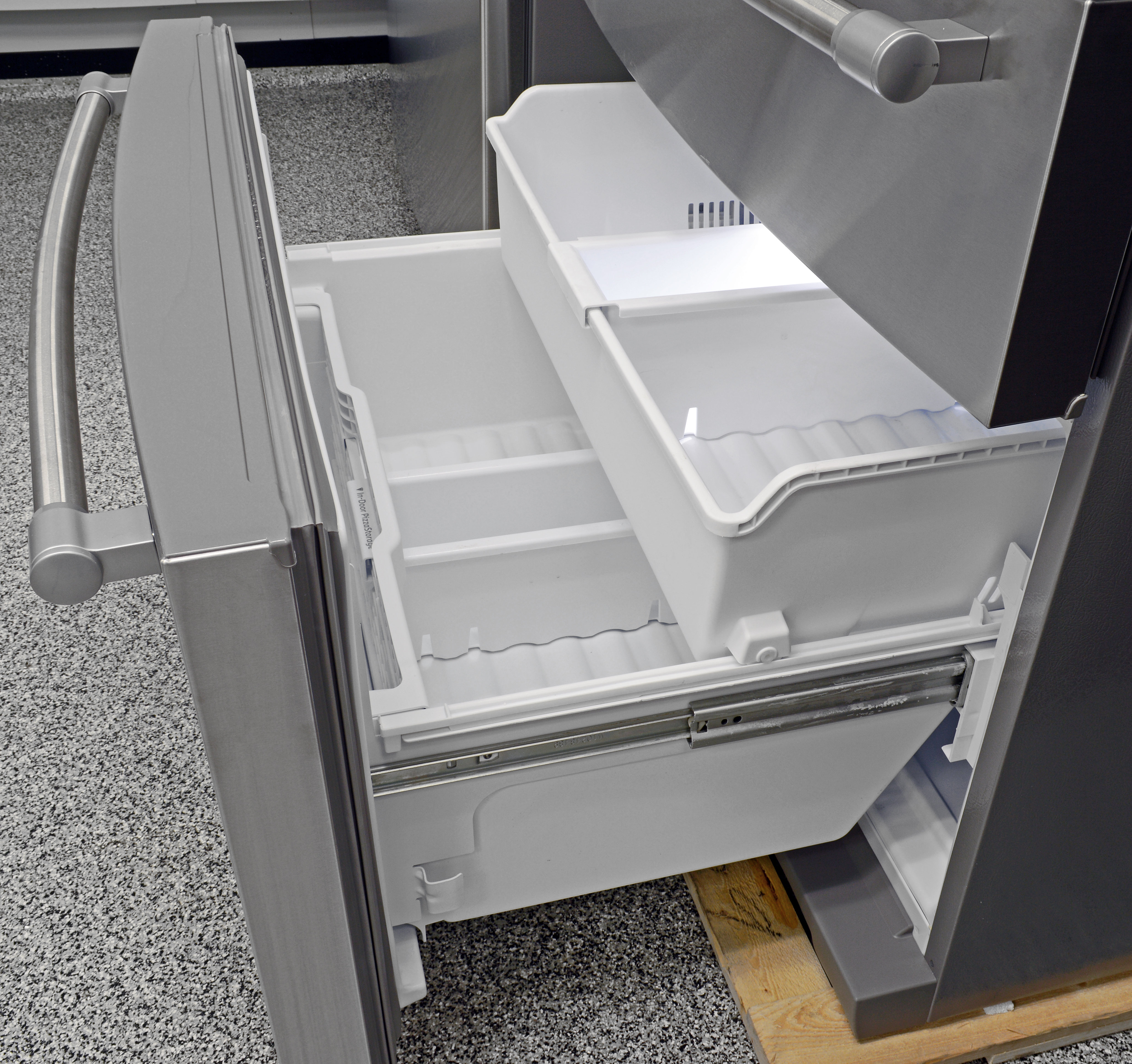 The Maytag MFX2876DRM's pull-out freezer is very traditional in its design.