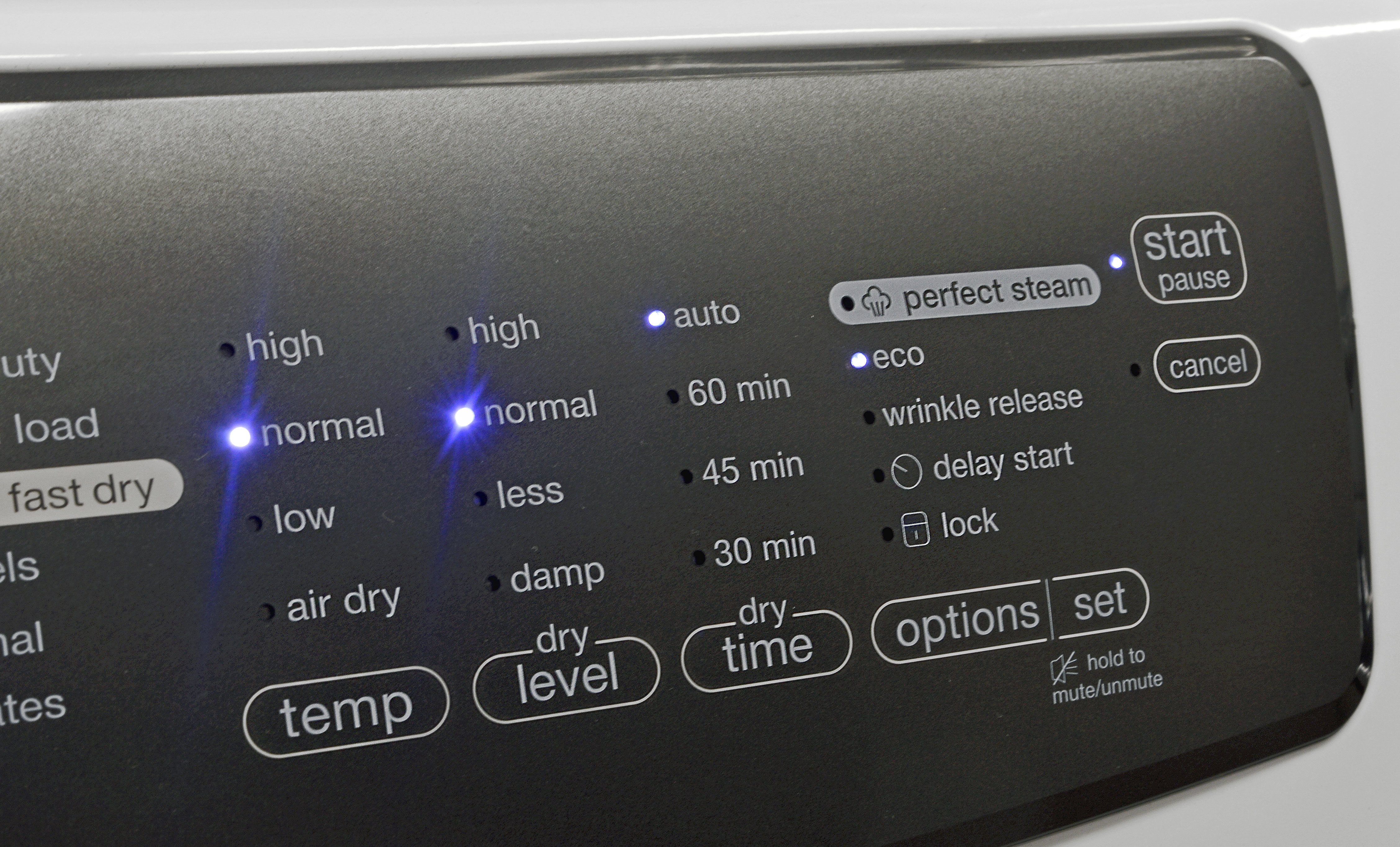 The Electrolux EFME417SIW's feature list is pretty slim, but leaves you with some useful options.