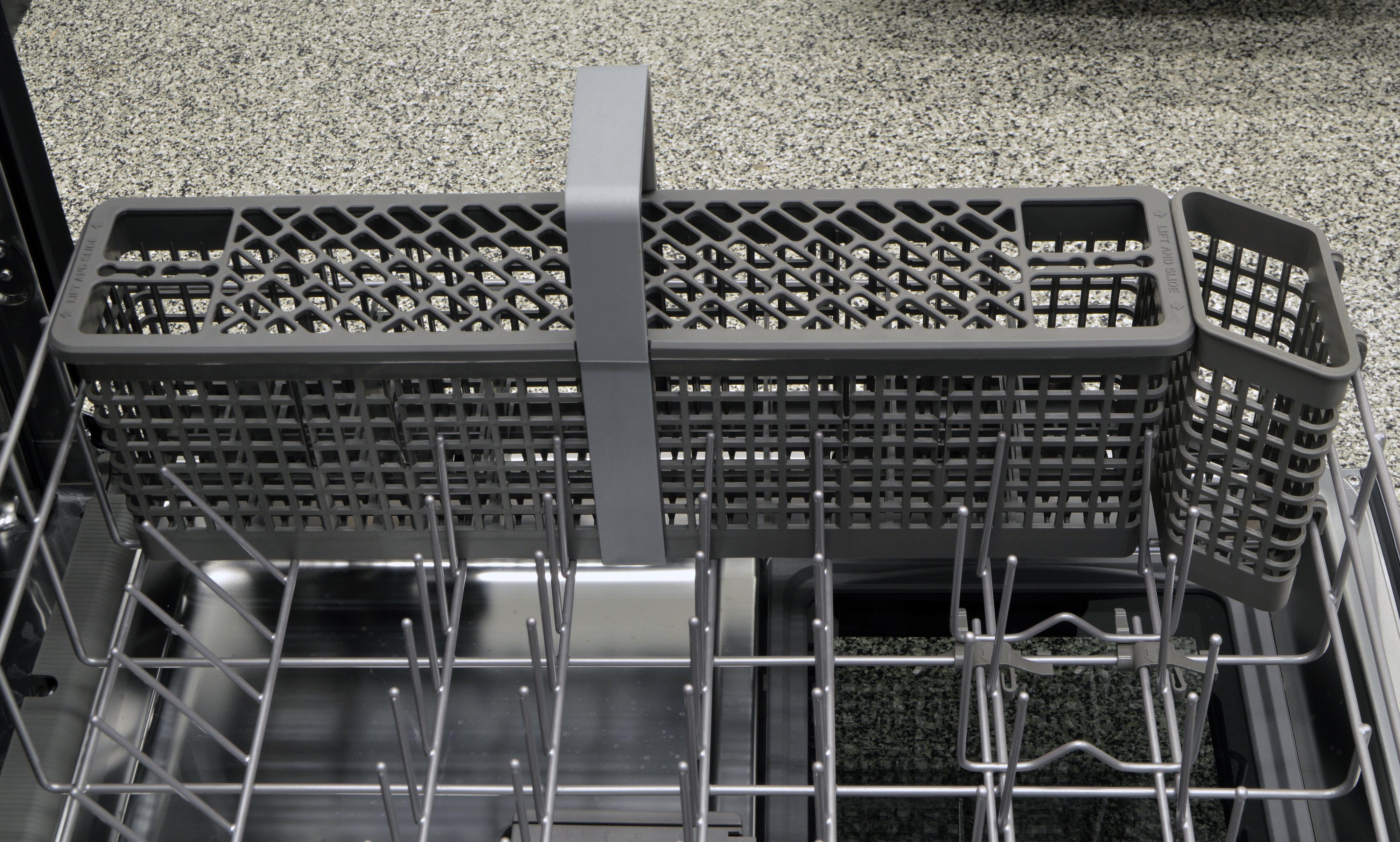 Long, wide cutlery basket in the lower rack