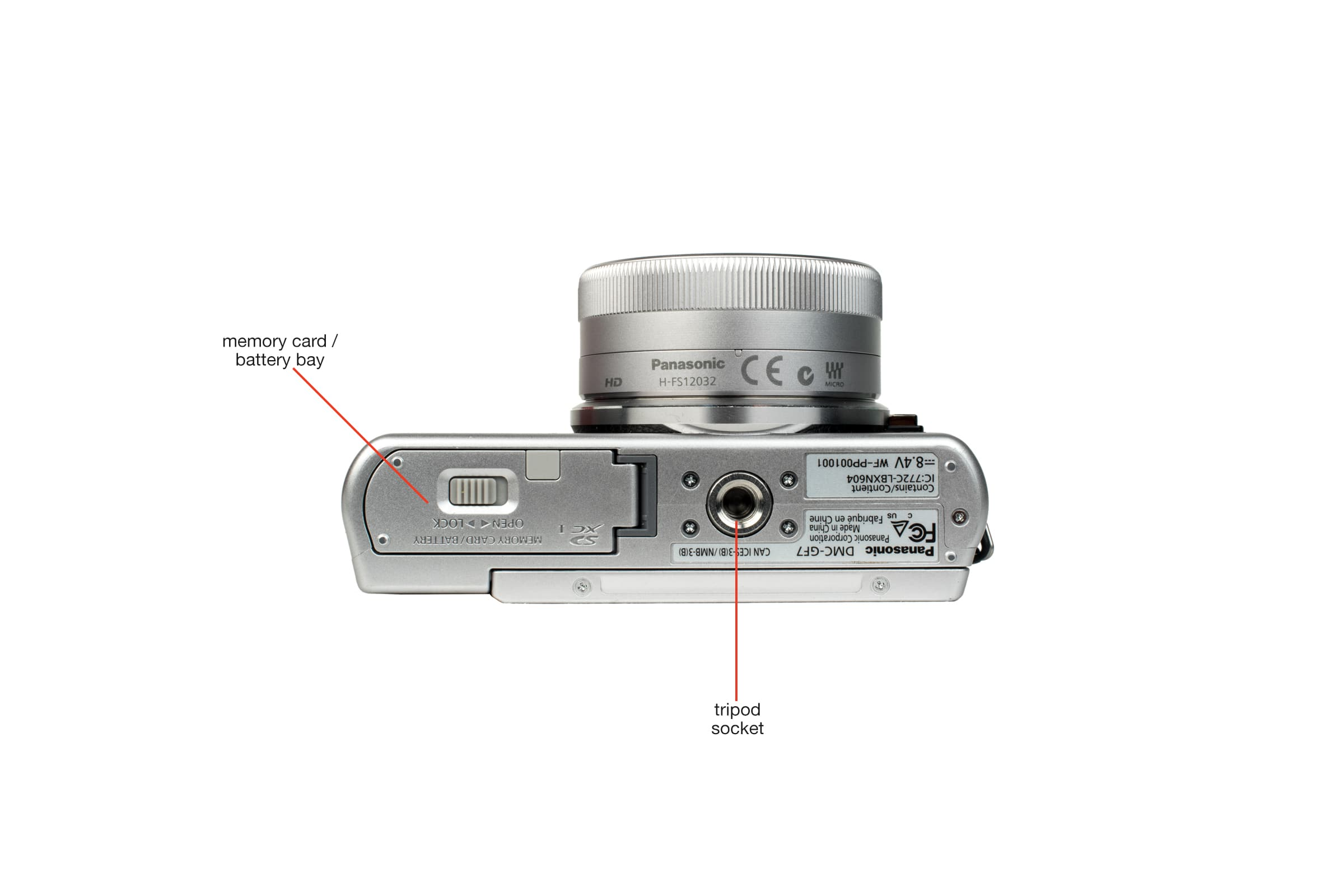Bottom view of the Panasonic Lumix DMC GF7 .