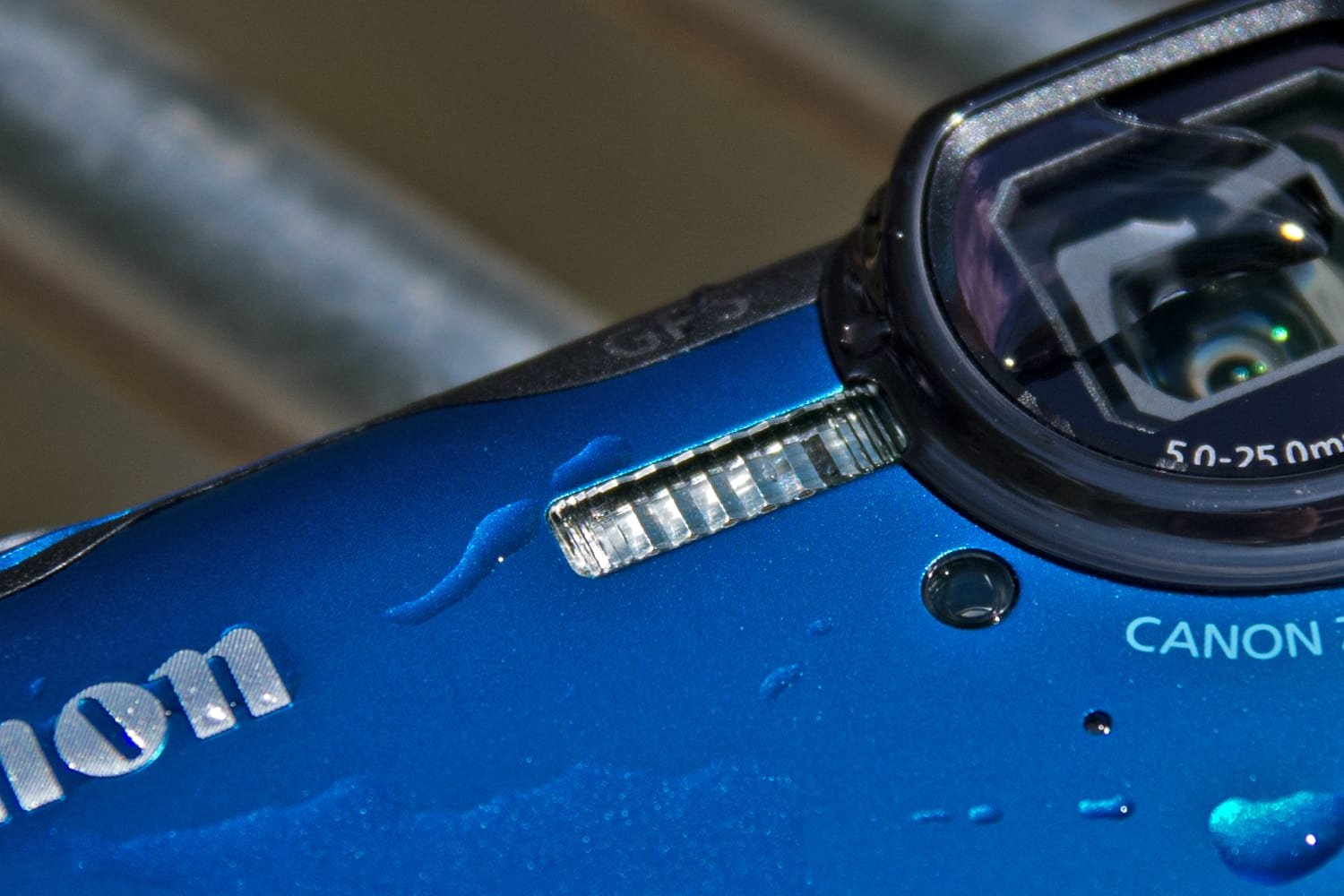 A picture of the Canon PowerShot D30's flash.
