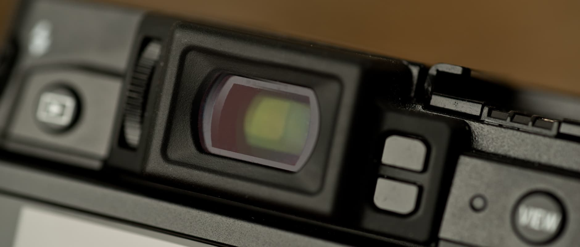 A photo of the Fujifilm X30's electronic viewfinder.