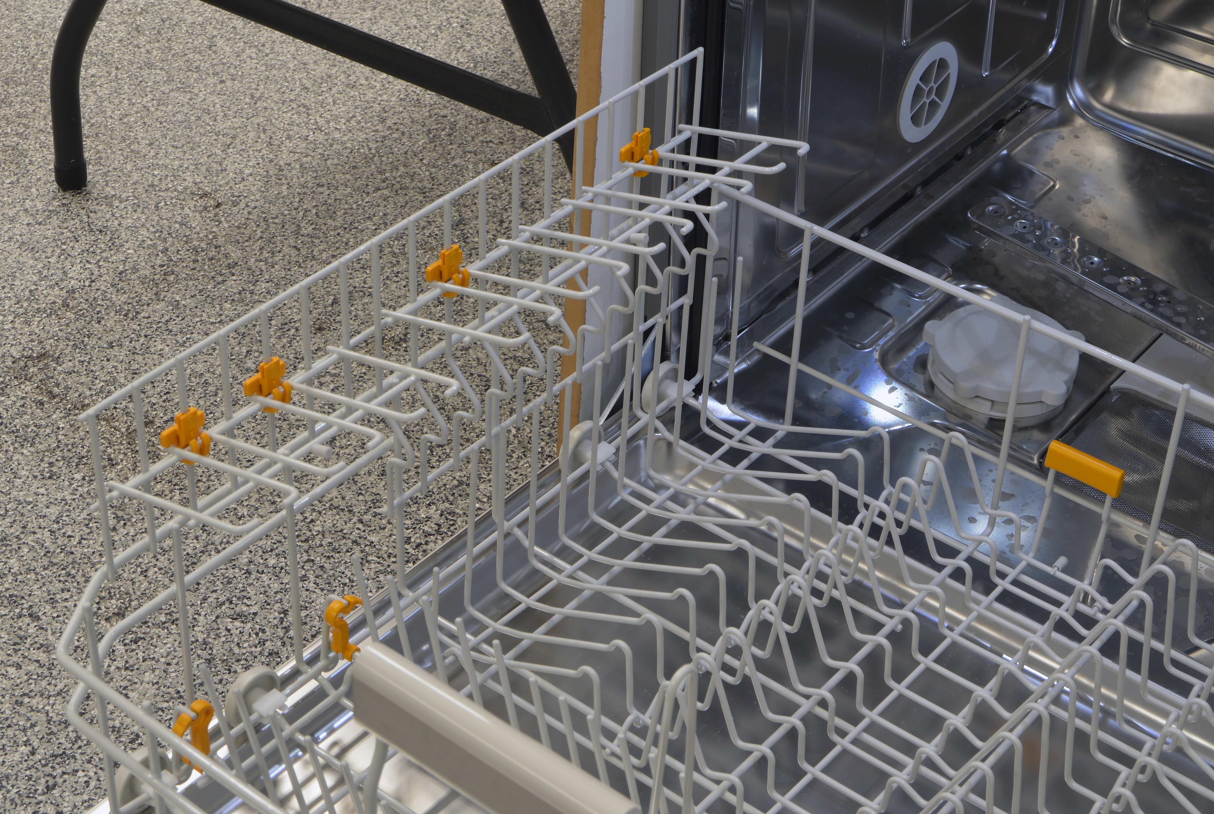 Fold-down shelves on the lower rack