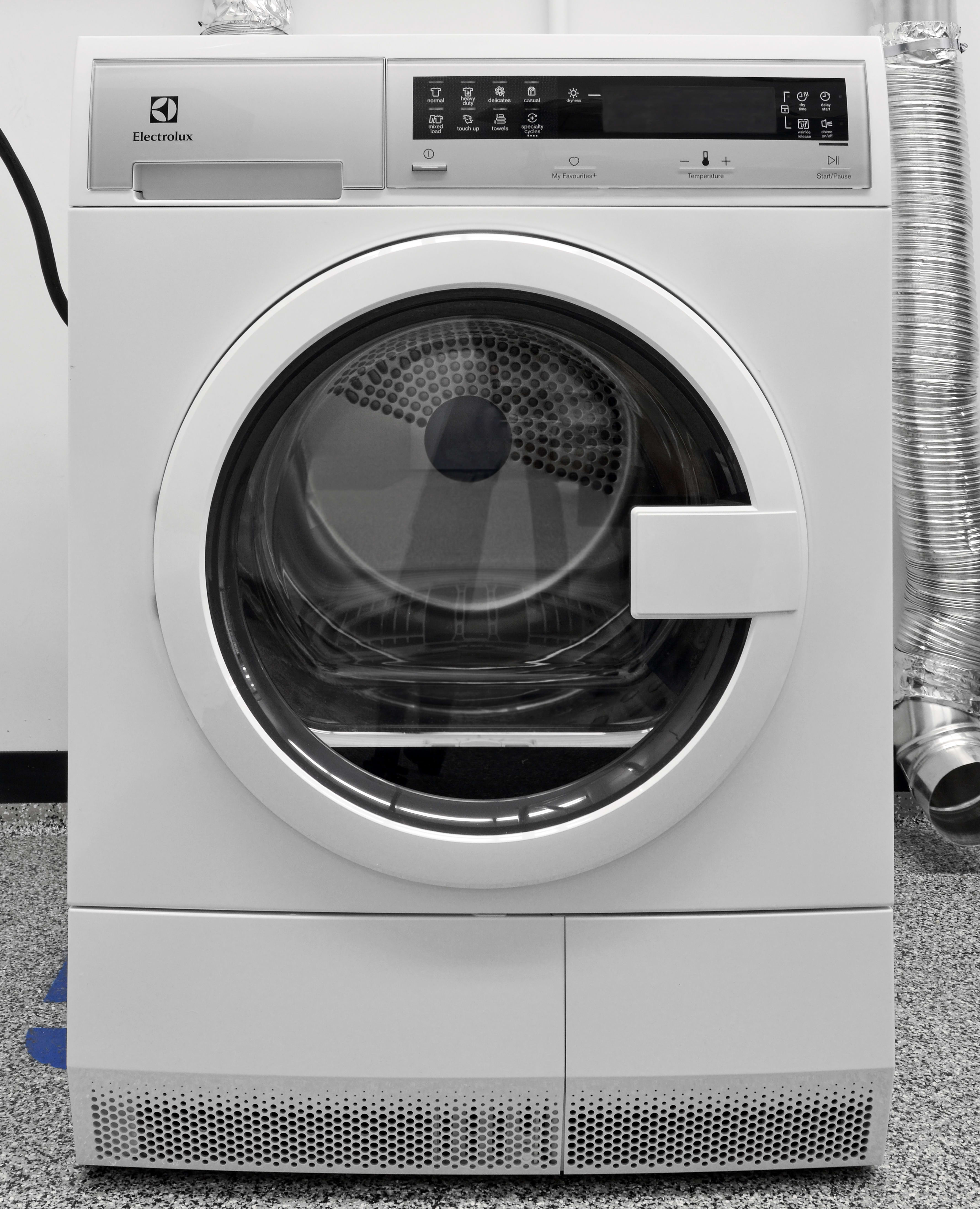 Stylish and affordable, the Electrolux EIED200QSW pushes compact dryers in a good direction.