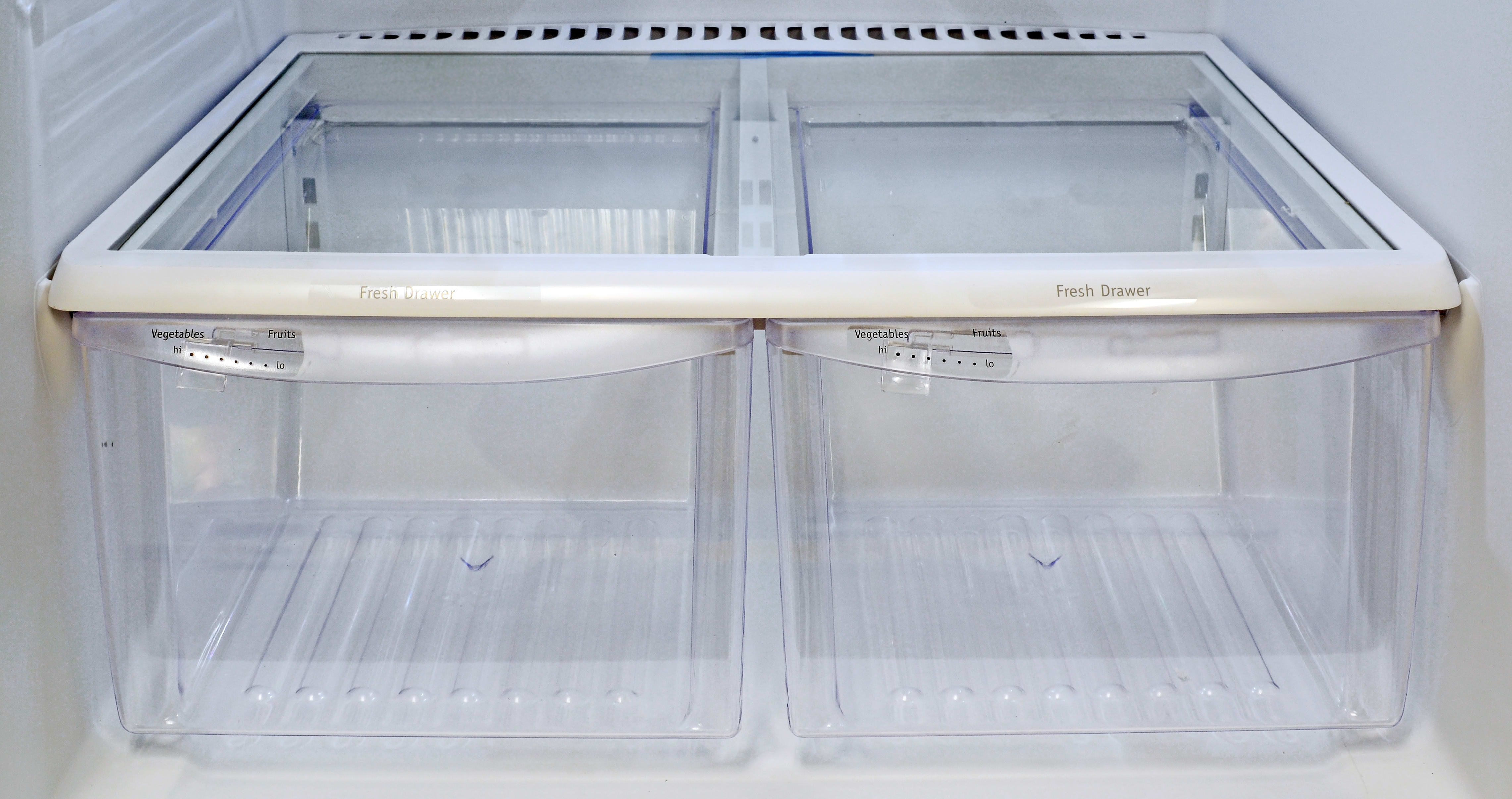 The Frigidaire Gallery FGHI2164QF's twin crispers offered average performance.