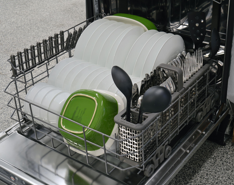 Maytag MDB8969SDM bottom rack capacity