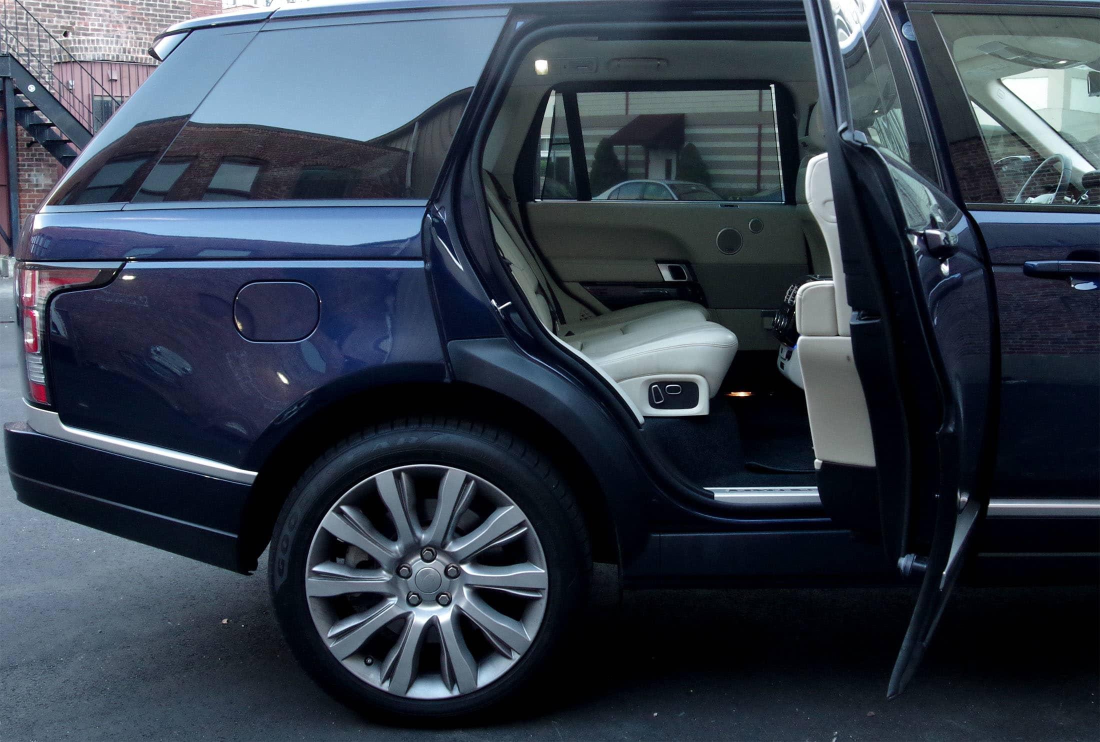 Door open rear seat
