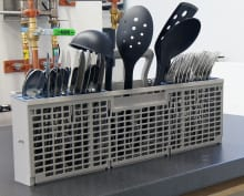 Whirlpool WDF530PAYM—Cutlery Basket Capacity