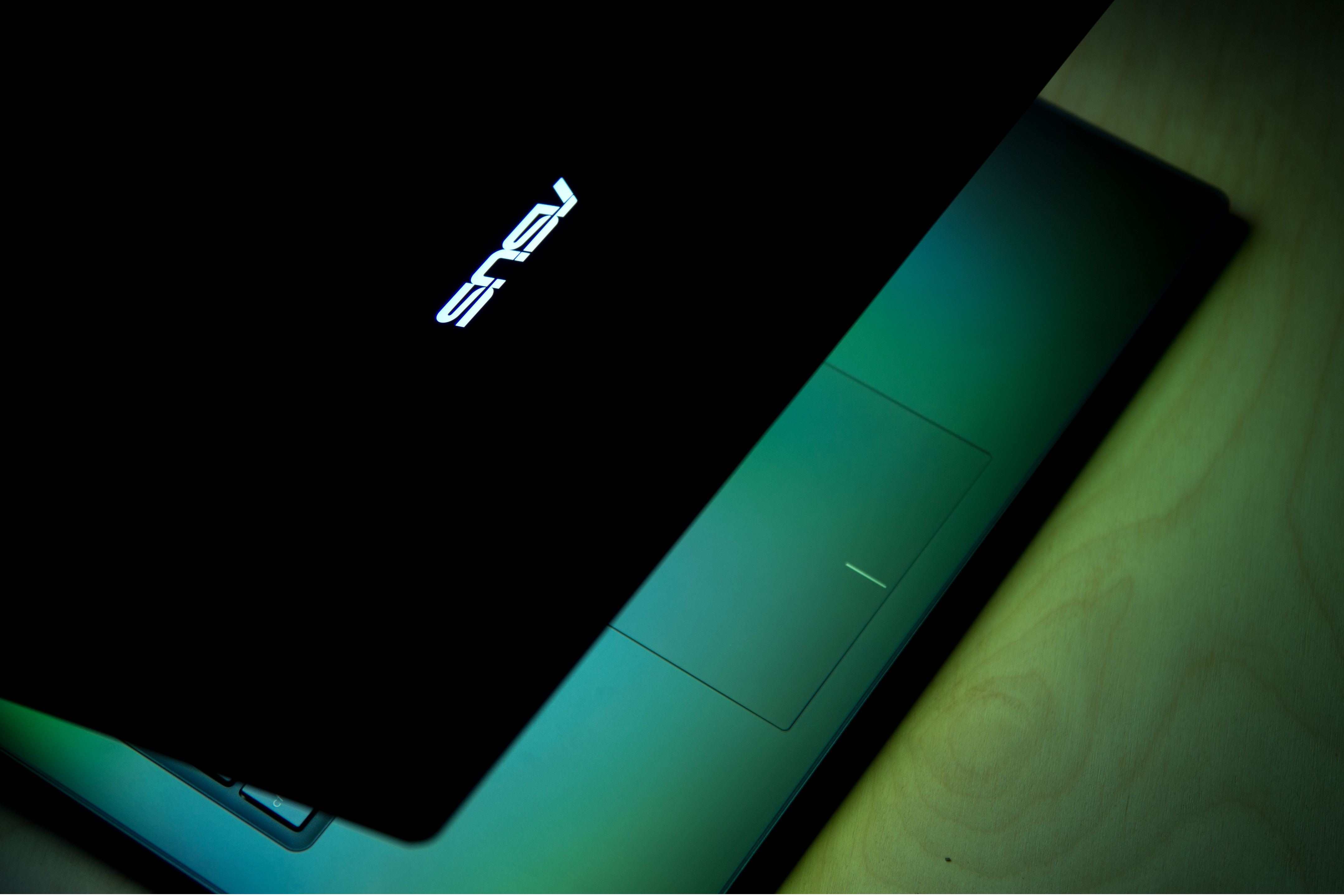 A close-up picture of the Asus UX301L.