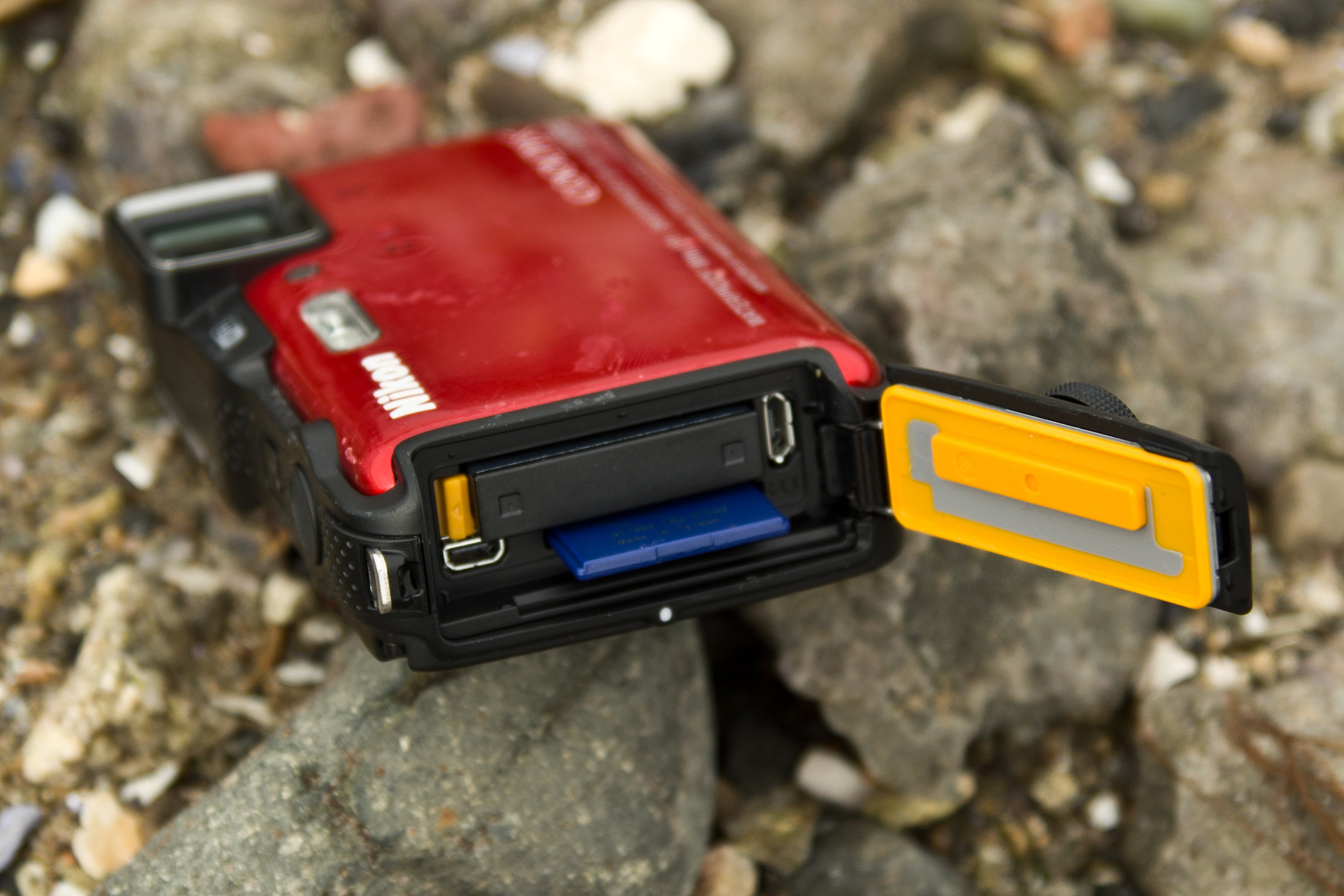 A shot of the Nikon Coolpix AW120's battery in the wild.