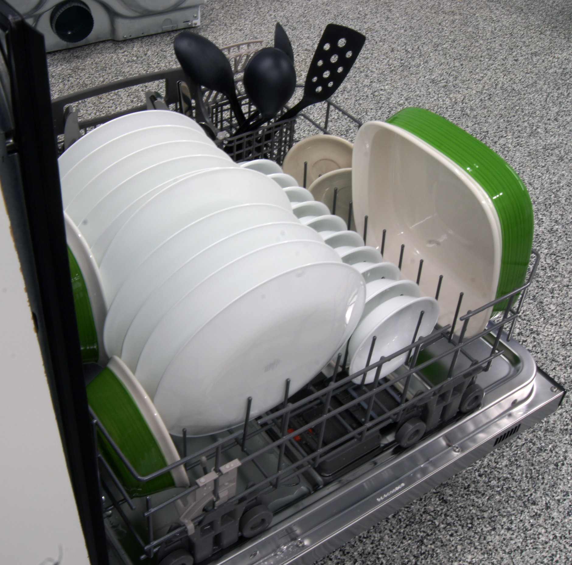 Kenmore Elite 12773 bottom rack capacity