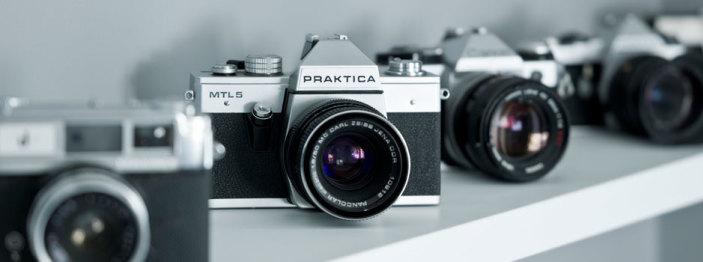 http://reviewed-production.s3.amazonaws.com/attachment/9c79d0300b8de12a657c858f69ab7d38e7ea28e1/dci-9-Ways-to-Be-a-Smarter-Camera-Shopper-940x350.jpg