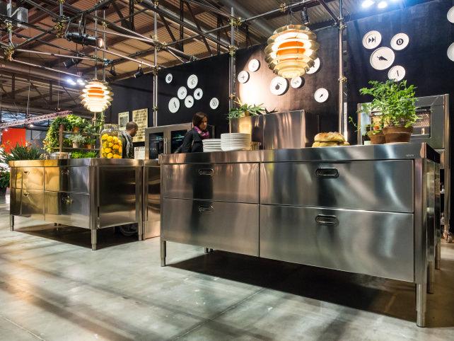 alpes-stainless-kitchen-2.jpg