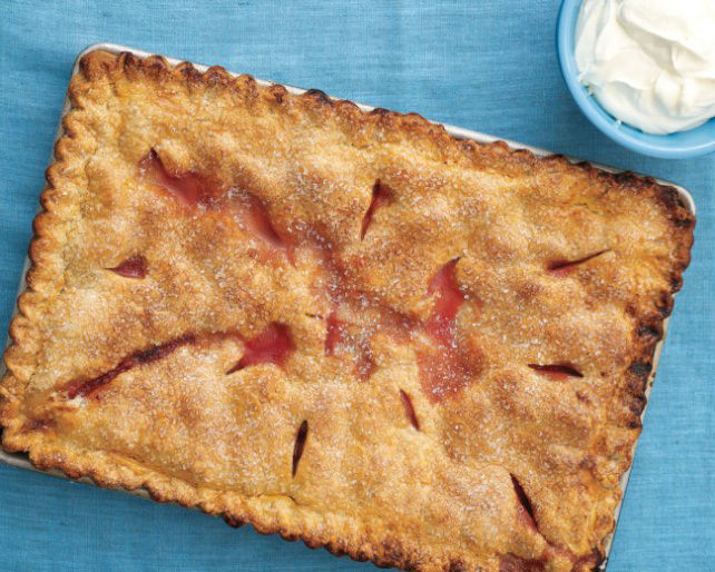 Martha-Stewart-Strawberry-Rhubarb-Slab-Pie.jpg