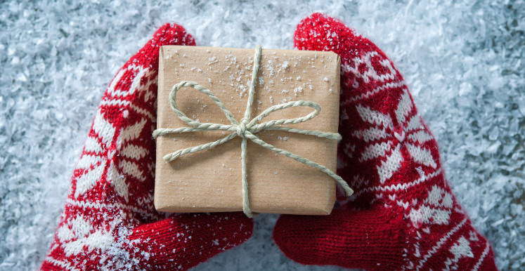 40 cant miss gifts under 10 reviewed these gifts will bring a smile to whoever gets them negle Images