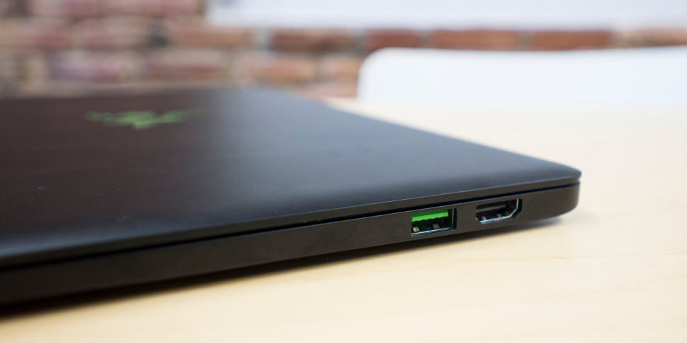 Razer Blade Stealth Ports Right