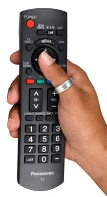 panasonic_th-46PZ8ou_remote_hand.jpg