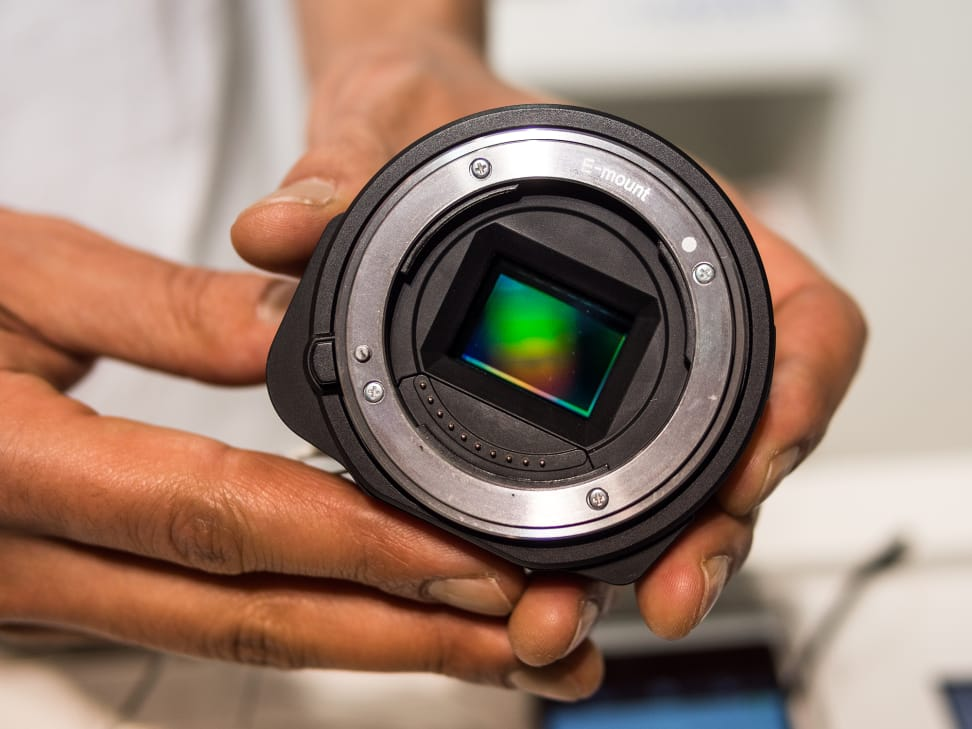 Sony Cyber-shot QX1 – The APS-C Sensor