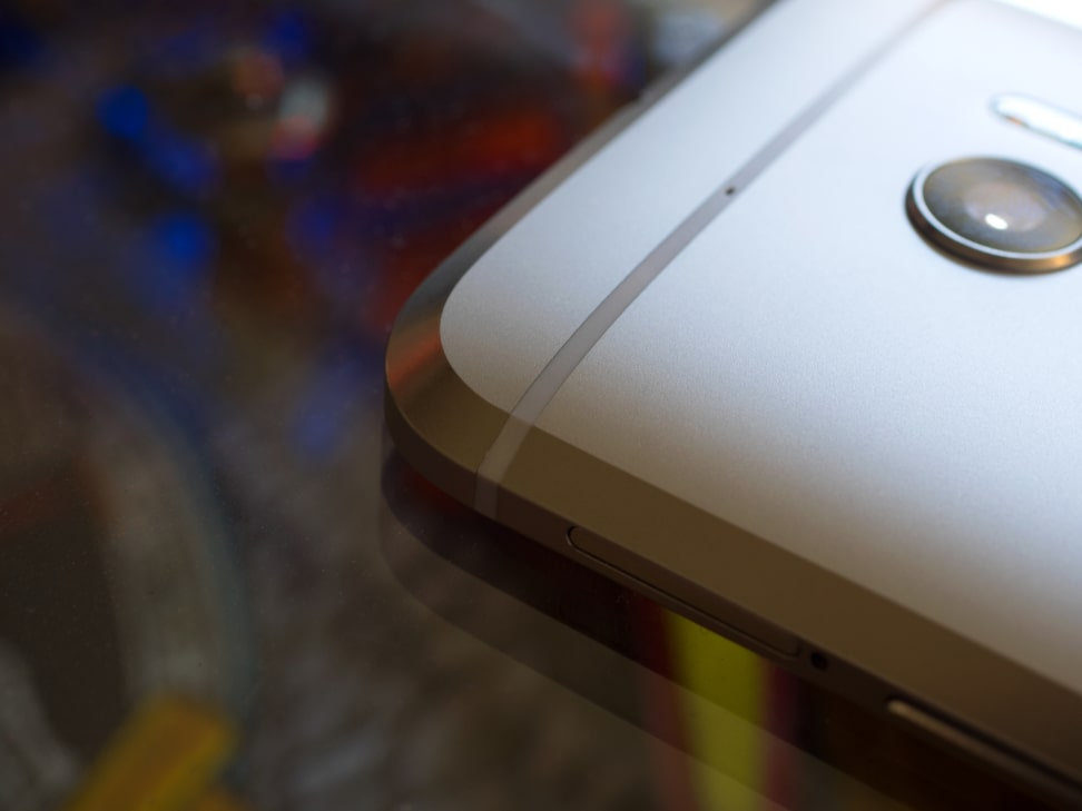 HTC 10 Chamfered Edge