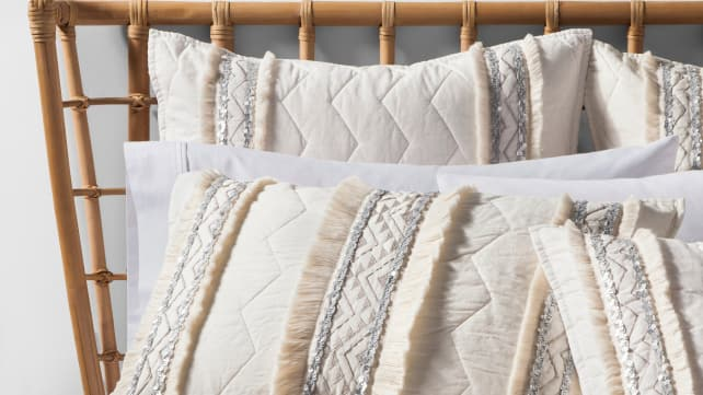 Opalhouse-Moroccan-quilt-bedding
