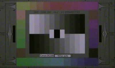 Canon_D220_15lux_auto_web.jpg