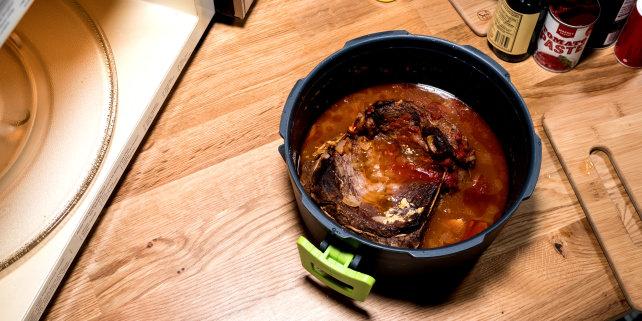 Pot roast in cooker