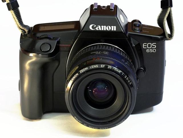 797px-Canon_EOS_650.jpg