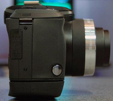 Kodak-Z980right-375.jpg