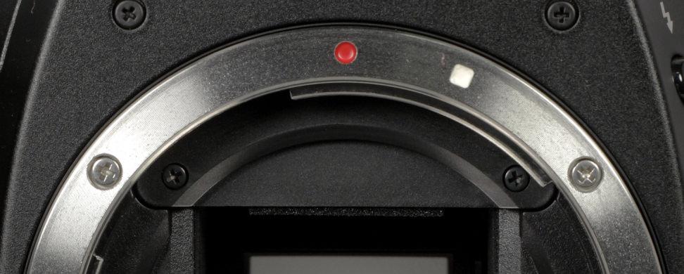 Canon EF vs. EF-S Lens Mount
