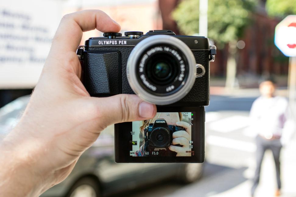 e-pl7-selfie.jpg