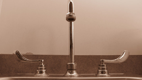 kitchen tap.jpg
