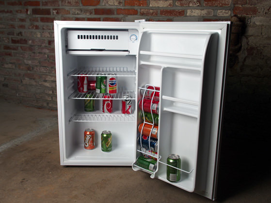 Mini Fridge Roundup Chilling In Your Dorm Reviewed Com