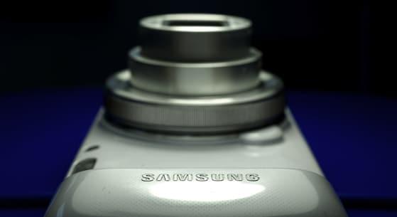 bluebg-lensextended.JPG