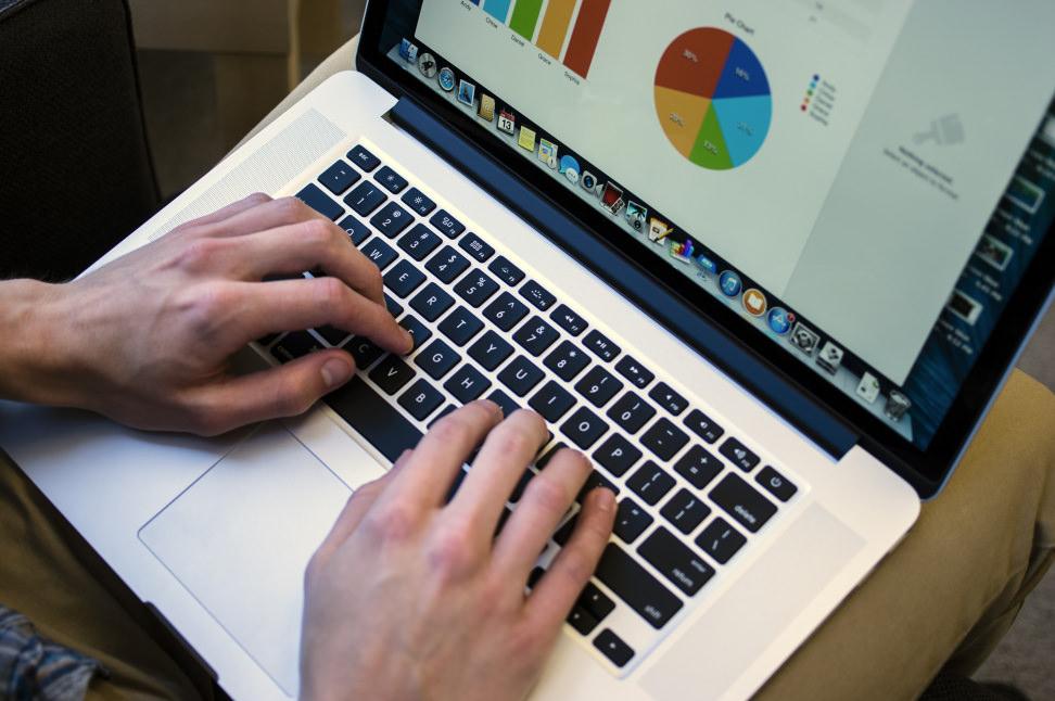 apple-macbook-air-review-design-use.jpg