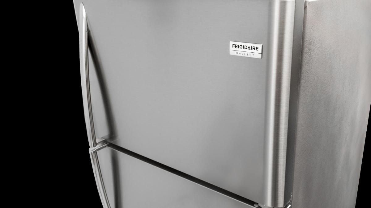 Frigidaire Gallery Fgtr1837tf Refrigerator Reviewed Com