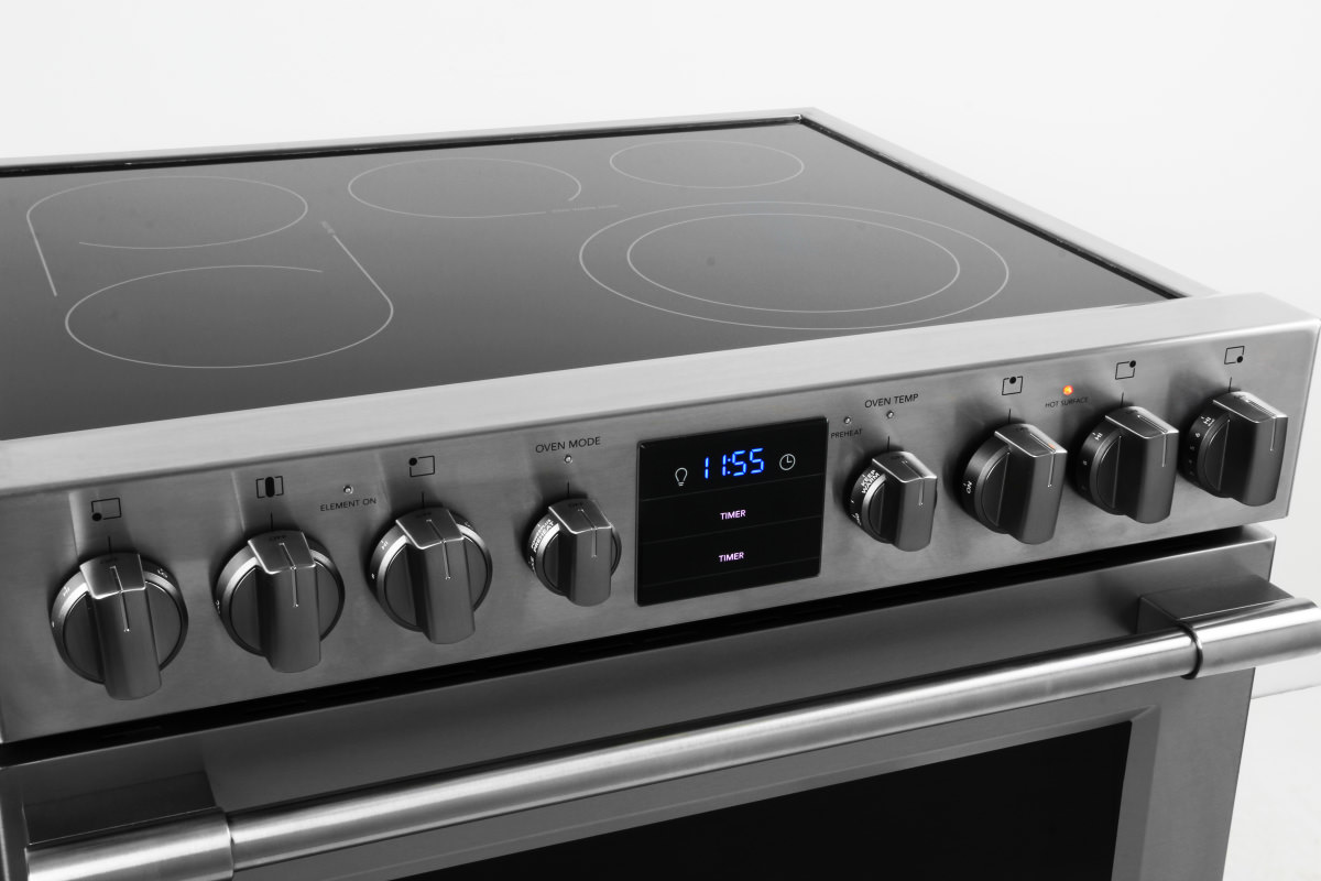 rangetop controls are knobs set on the front of the range - Frigidaire Gallery Gas Range
