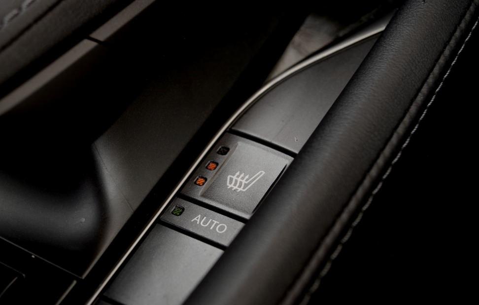 Lexus LX570 Seat Heater Controls