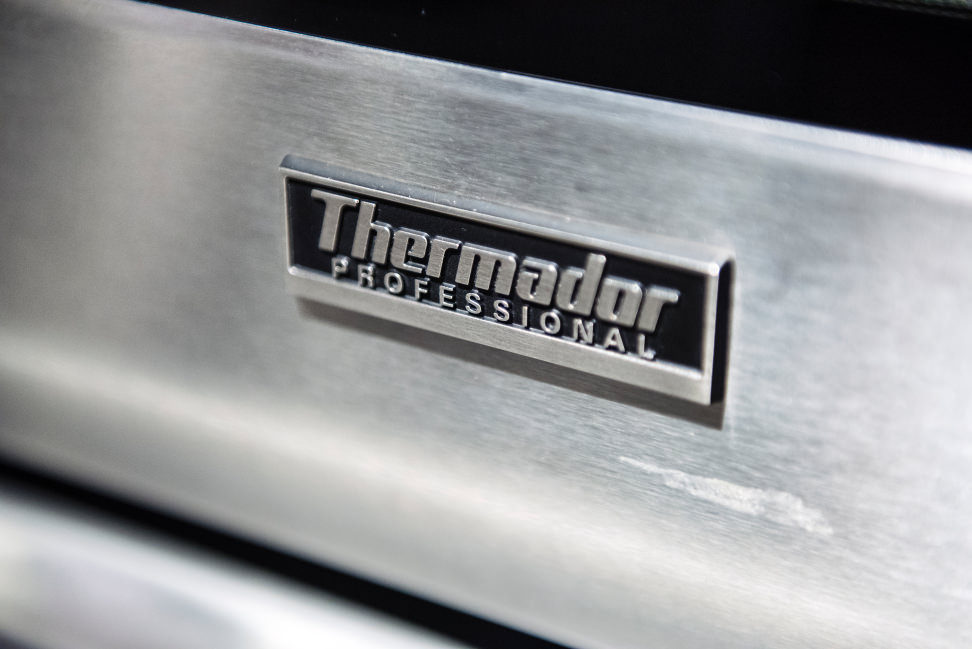 Thermador PODC302J Design Logo